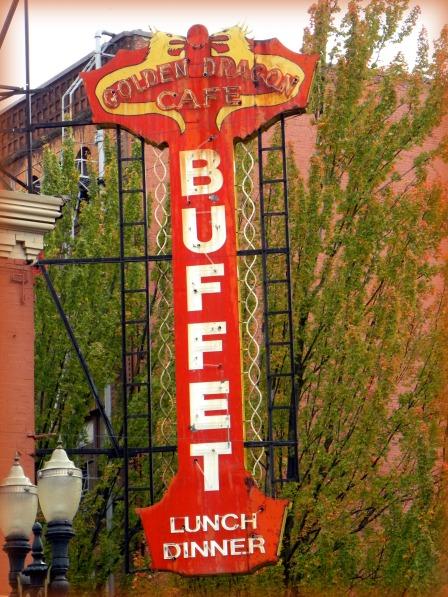 buffet (© 2010 Tisha Clinkenbeard)