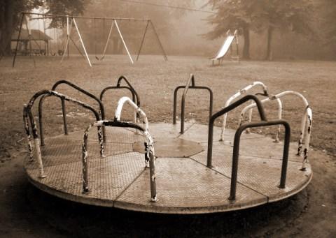 merry go round (© 2010 Lisa Stahl)