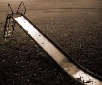 slide (© 2010 Lisa Stahl)