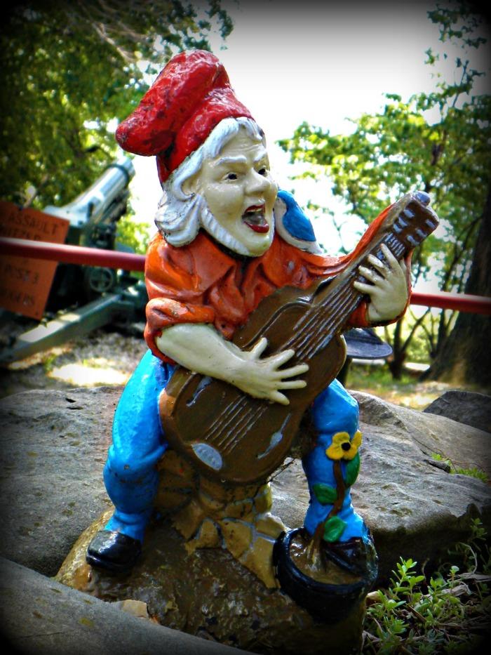rockin gnome