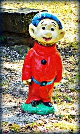 a seven dwarf gnome