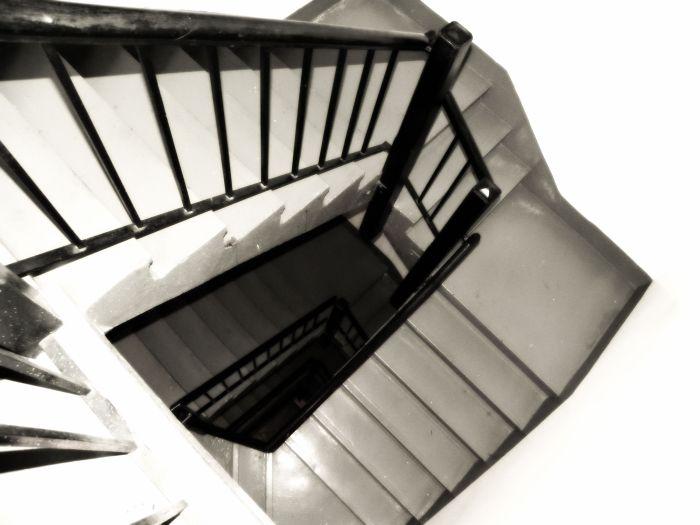 stairs Arlington Hotel