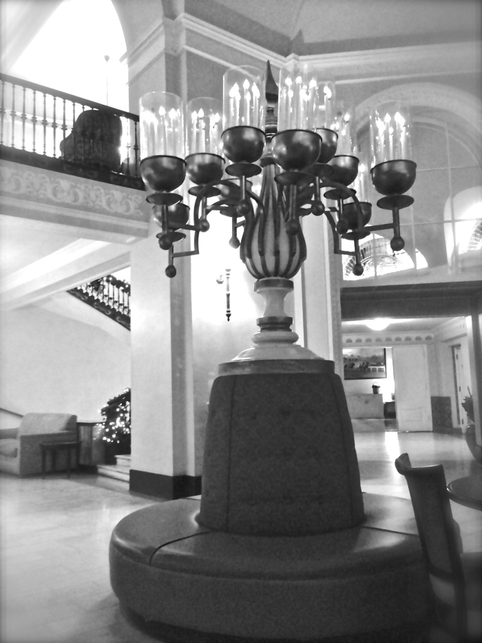 light in Arlington lobby