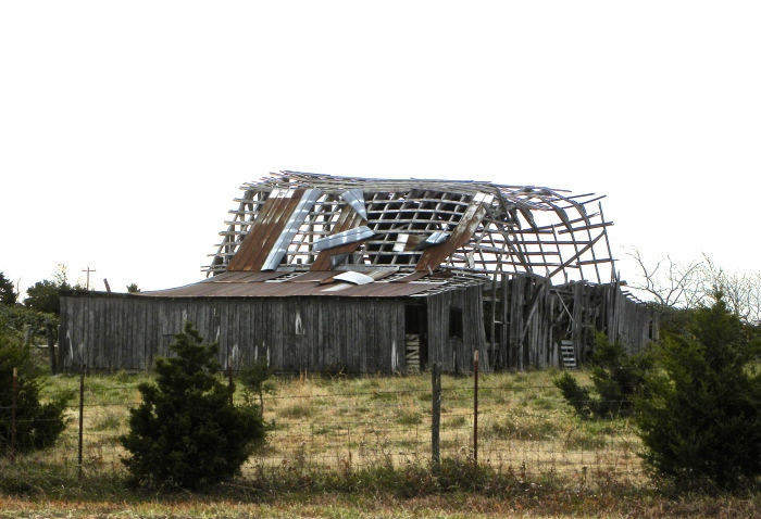 roofless barn in AR